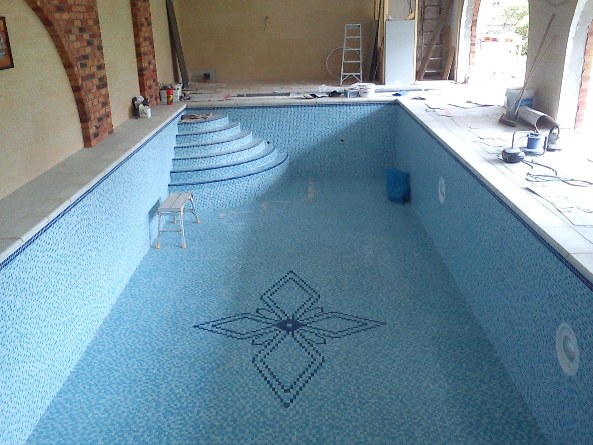 Paul Gilbert Wall and Floor Tile Fixing, Stoke on Trent, Staffordshire